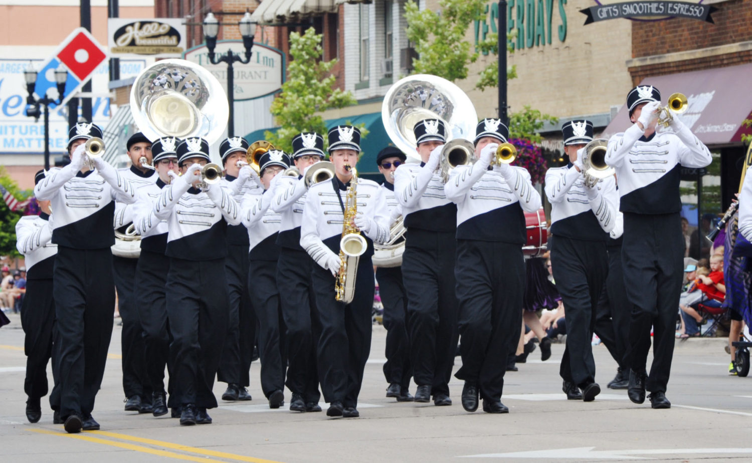 The Alexandria Marching Band starts off the parade as the host band for the Vikingland Band Festival in Alexandria Sunday afternoon. (Lowell Anderson / Echo Press)